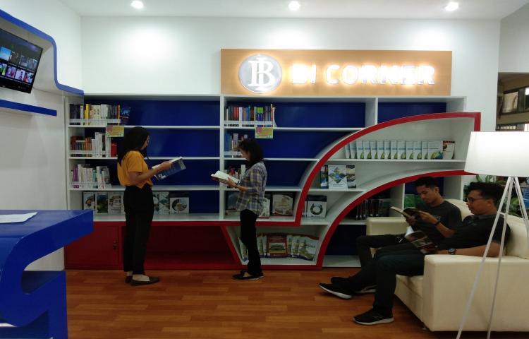 Pemanfaatan-BI-Corner-Perpustakaan-Unwar.html